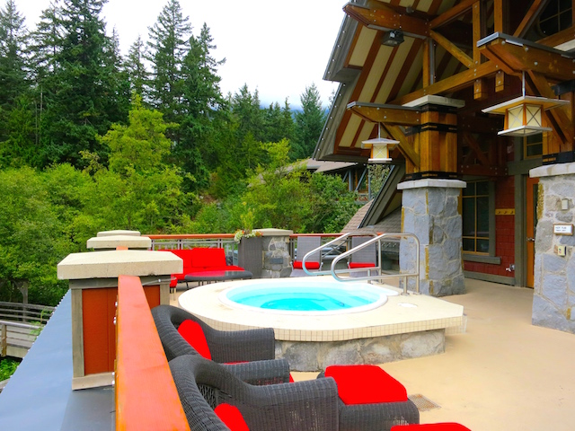 Nita Lake Lodge in Whistler Creekside review outdoor hot tub