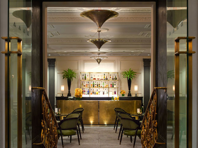 Review The Piere Two-E-Bar-Lounge