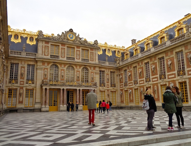 Visiting Versailles, Entrance, a private tour
