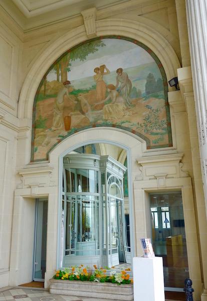 Day trip Evian les Bains Palais Lumiere