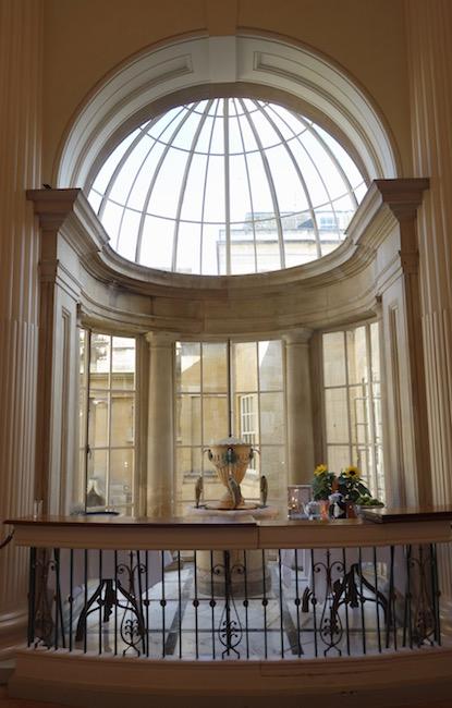 pump-room-fountain-at-roman-baths-bath