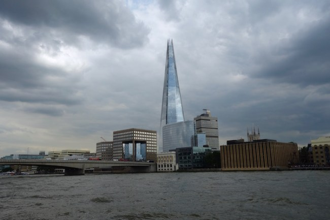 Travel bloggers travel roundup, cloudy London