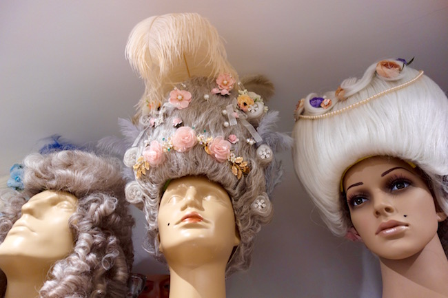Costumes and Chateaux Versailles wigs