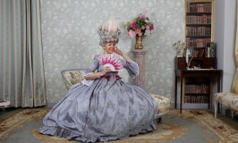 What to do in Versailles, costume photo shoot