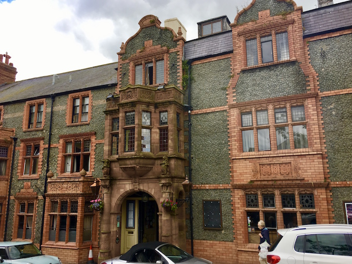 Where to stay in Conwy, Castle Hotel