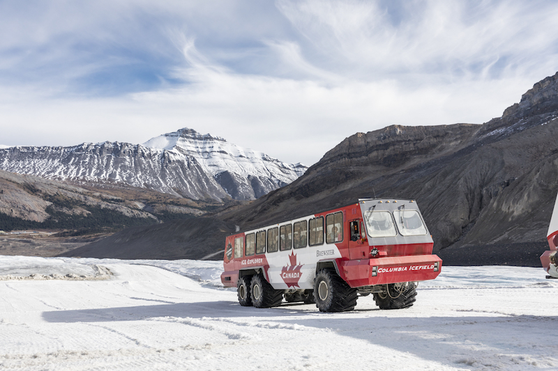 Rocky Mountaineer packages Columbia Icefields Parkway tour