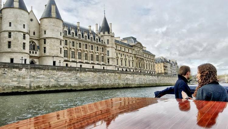 Best tours of Paris Seine River