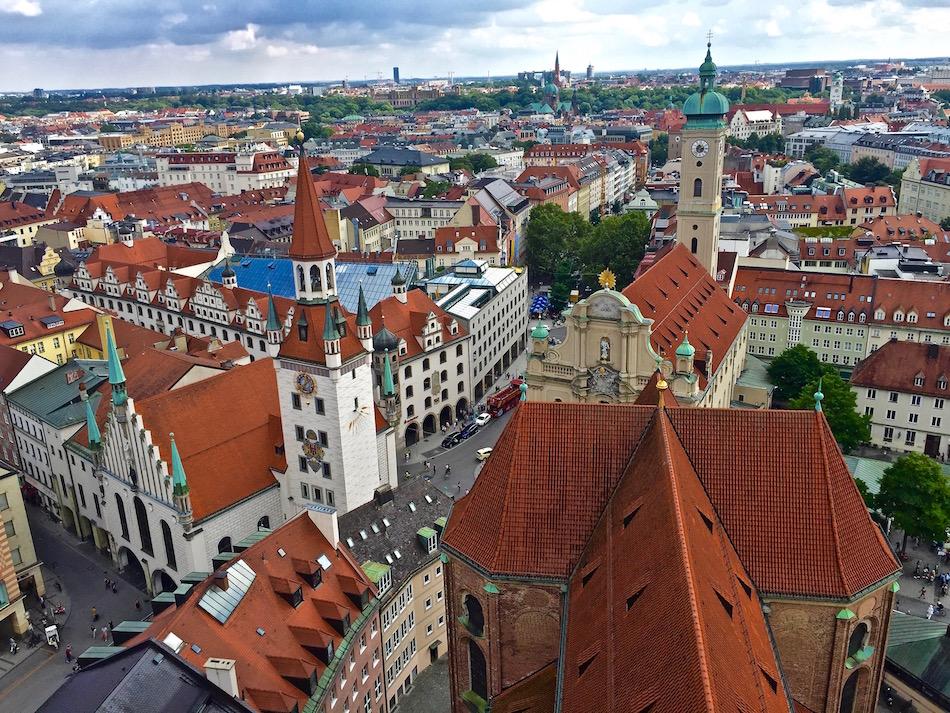 Altstadt-Old-city-Munich-Bavaria-Germany-st-peters-church