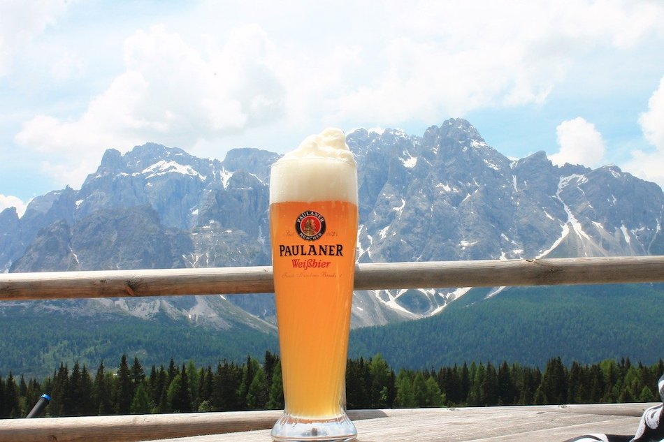 Munich Paulaner beer pour