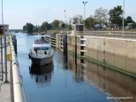 We watched boats going through the lock at Ortona