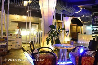 20110918_inside-le-quay-cafe-nice