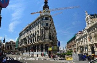 20140713_cool-building-in-city-center