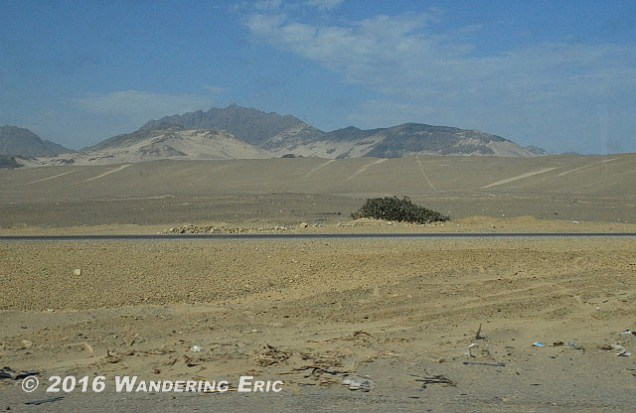 20140925_lots-of-desert-in-the-north-of-peru