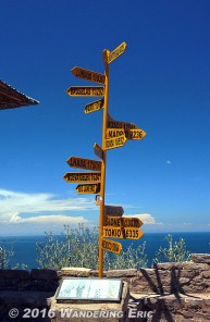 20141018_cool-sign-showing-places-around-the-world
