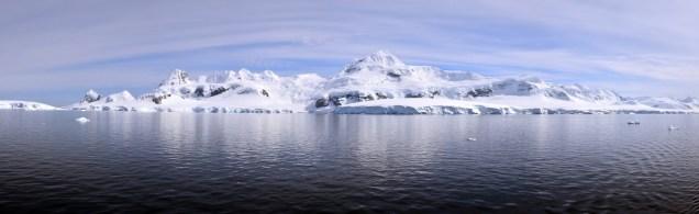 Antarctica Panorama 01
