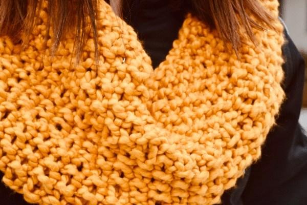 girl wearing knit cowl