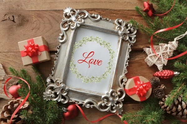 love printable wreath
