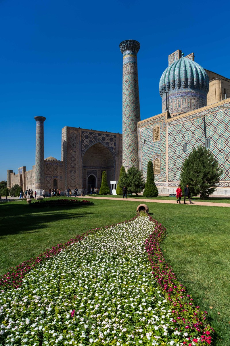 Uzbekistan: Generous people and colourful buildings