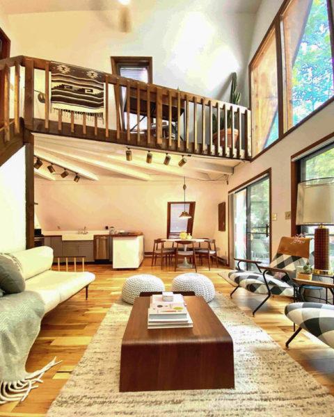 Poconos House Rentals With Pool : poconos, house, rentals, Stunning, Airbnbs, Poconos, Wandering, Wheatleys