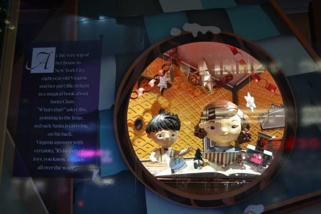 NYC Macys Window Virginia