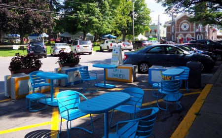 Outdoor Dining in Clinton
