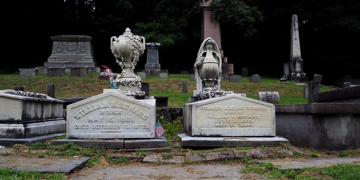 Seward Graves