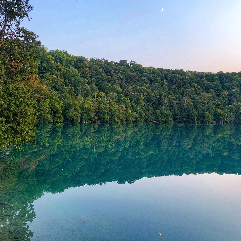 Green Lakes State Park Round Lake
