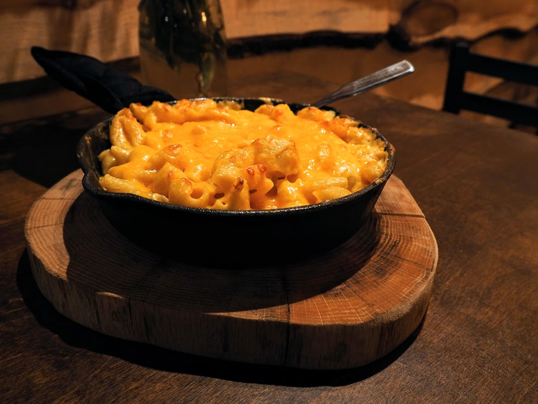 Mac and Cheese at Farmers Beef and Brew