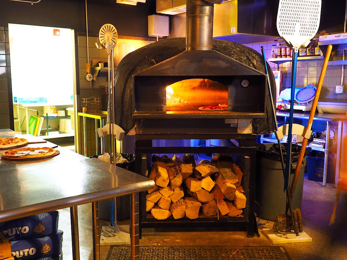 A W Wander Pizza Oven