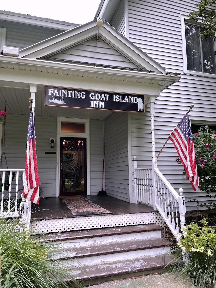Fainting Goat Island Inn Entrance