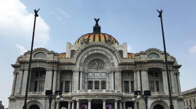 Mexico City Travel Guide: Food, Art and History