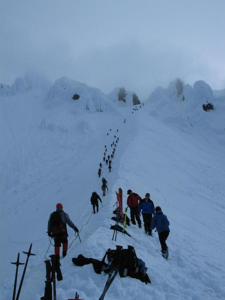 Line of climbers along the Hogsback. - Photo courtesy of Dean/Summitpost.org