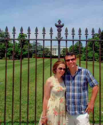 Alex & Bell out the front of the white house