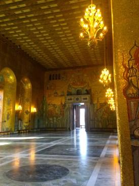 this room has real gold coating its walls
