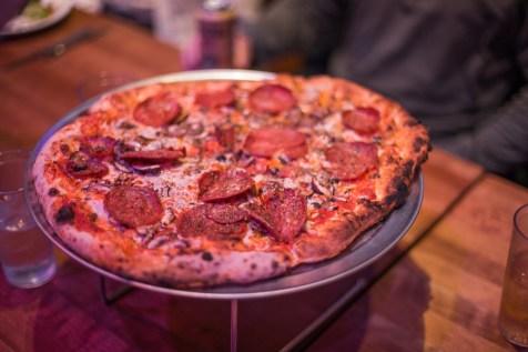 hand fire pizza-12