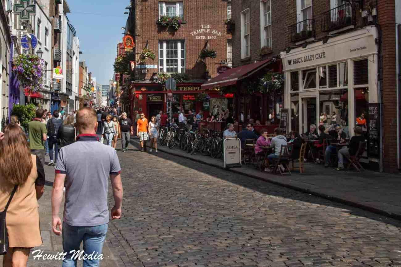 Temple Bar Pub in Dublin