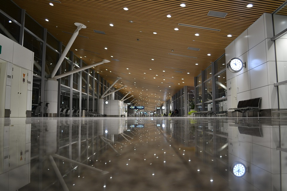 airport-1807612_960_720.jpg
