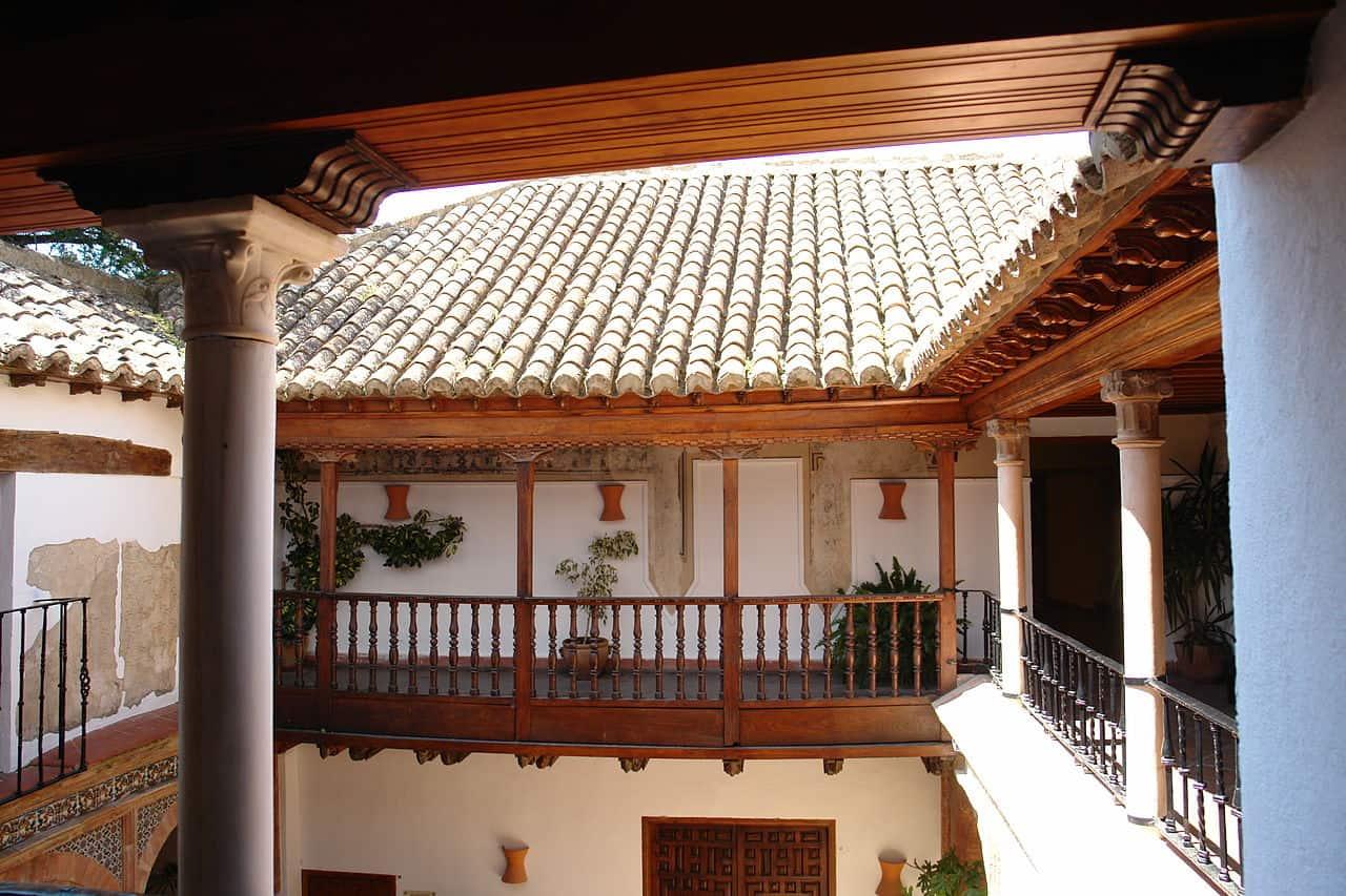 The_Palacio_de_Mondragón,_Ronda.jpg