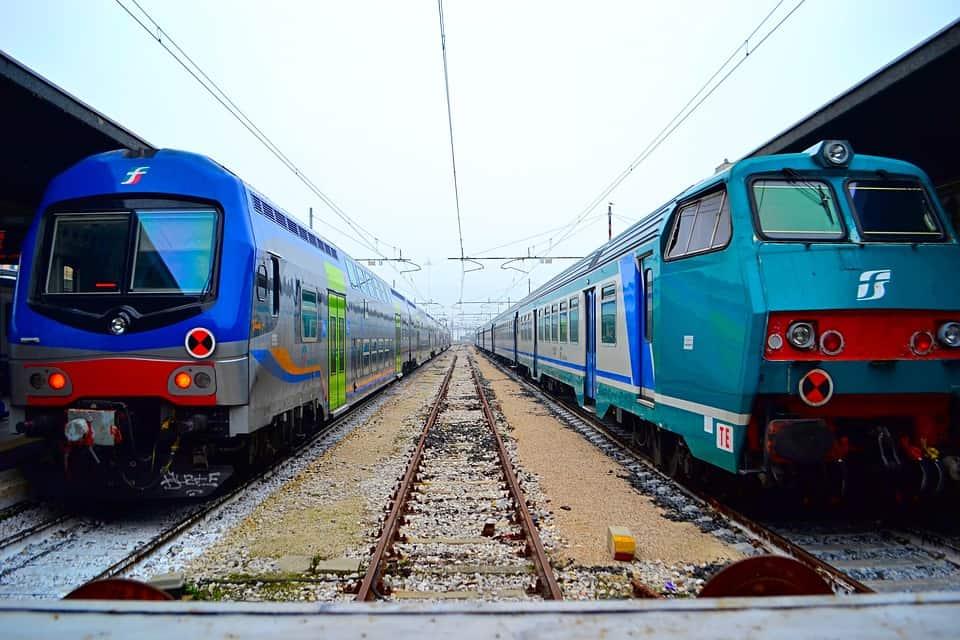 train-3412393_960_720.jpg