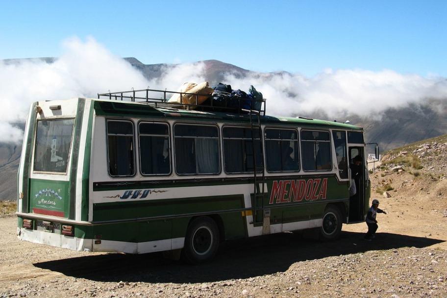 bus-470174_960_720