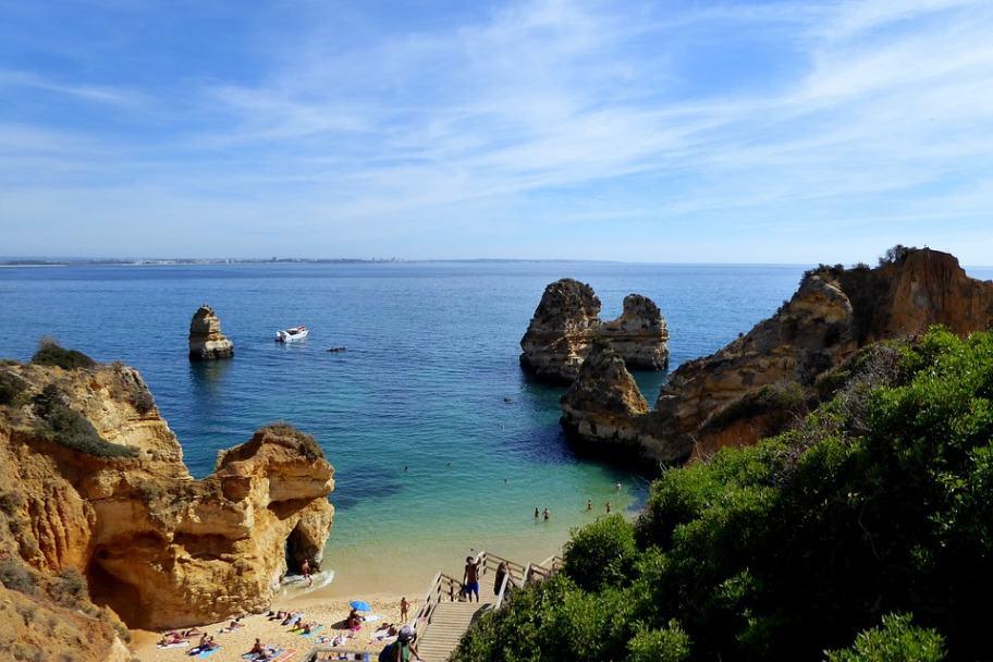 Best Coastlines in the World - Praia Dona Ana