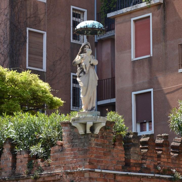 mary statue venice