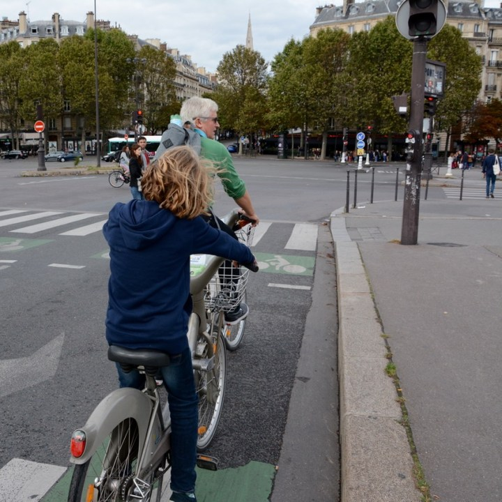 Paris france velib bike hire