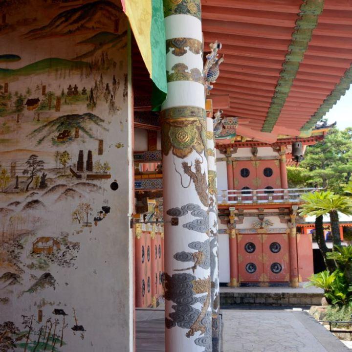 ikuchijima setoda kosanji temple shrine main hall detail