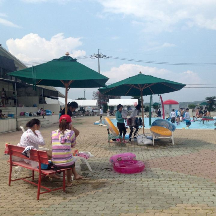 Innoshima outdoor pool guests