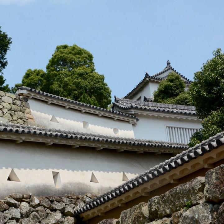 himeji castle architecture walls