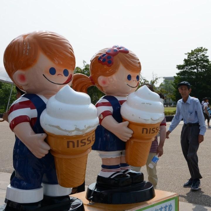 himeji castle architecture soft ice cream