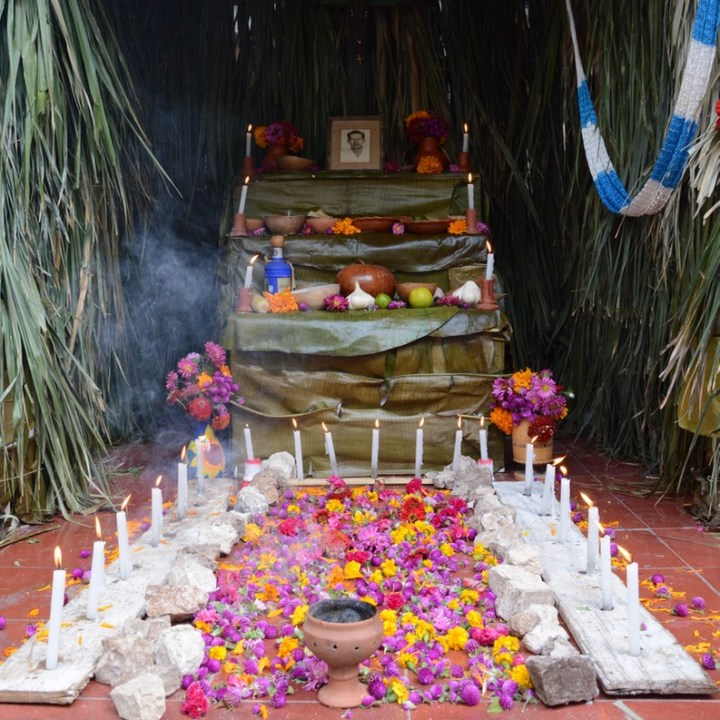 Travel with children kids mexico merida hanal pixan altar