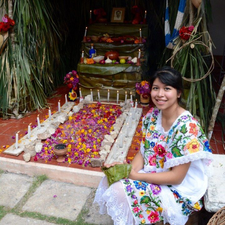 Travel with children kids mexico merida altar hanal pixan
