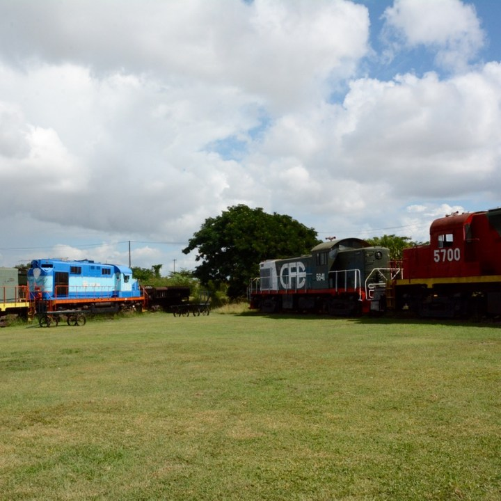 Travel with children kids mexico merida train museum diesel